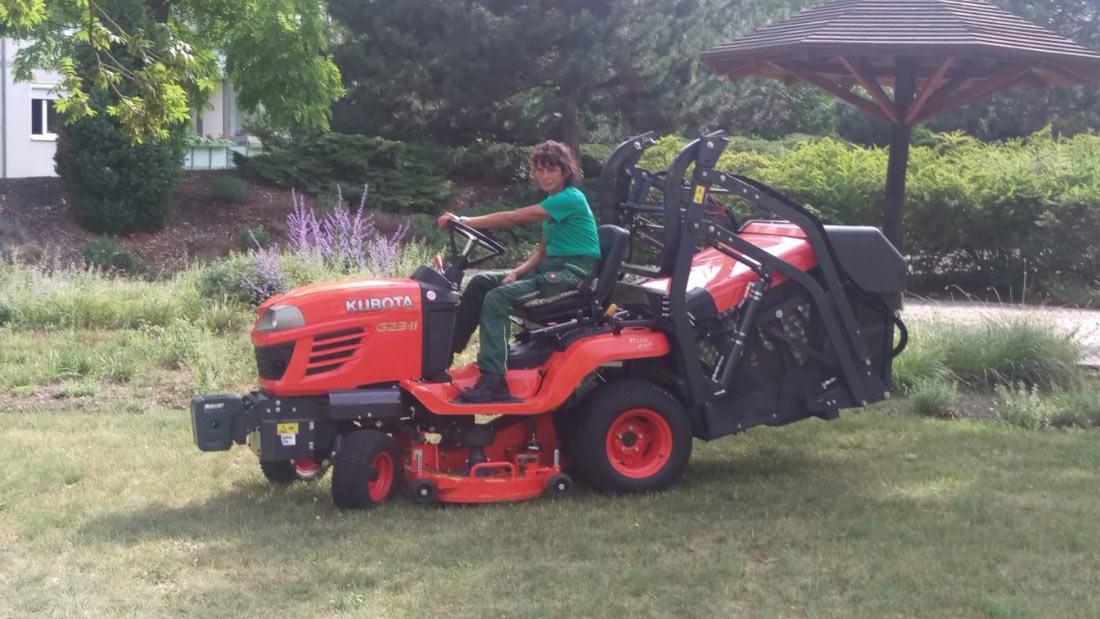 Moderne Technik bei der Gartenpflege